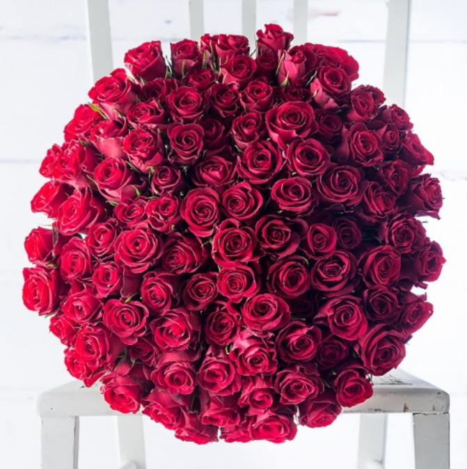 100 Red Roses - £149.99